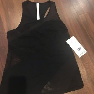Lululemon top mesh size 6 brand new with tags